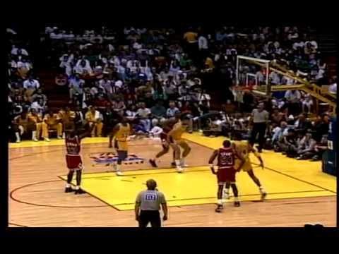 Chicago Bulls vs Los Angeles Lakers- (Micheal Jordan vs Magic Johnson Duel)