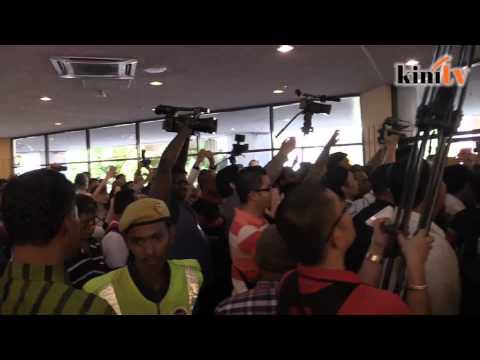 Tiada kelibat Najib, 'Hidup Tun' bergema di PWTC