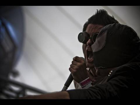 THE BLOODY BEETROOTS Feat. JUSTIN PEARSON: Live video (Stereosonic 2009)