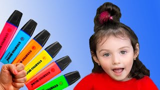 Yasmina pretends to play with his Magic Pen  - Preschool toddler learn color
