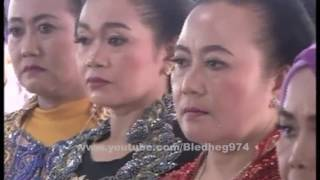 Video Fitri Angelina ★ Nitip Kangen ★ Revansa Semo 2016 download MP3, 3GP, MP4, WEBM, AVI, FLV Maret 2018