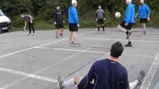 Wild Wings vs. Adler Mannheim - Aufwärmprogramm der Schwenninger auf dem Spielerparkplatz