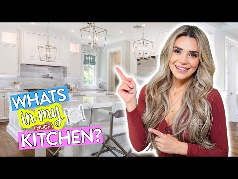 Whats In My HUGE Kitchen???