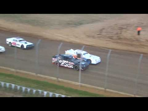 Dirt Track Racing at its best, Lake Ozark Speedway