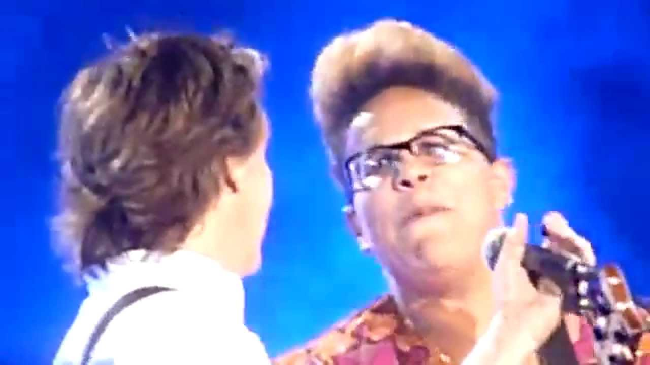 Alabama Shakes' Brittany Howard jammed with McCartney at Lollapalooza - Video