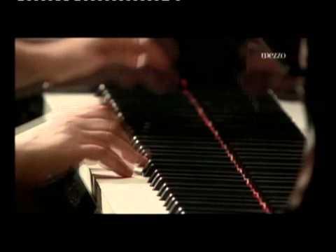 Lilya Zilberstein in Variations sur un Theme de Paganini Op 35 1