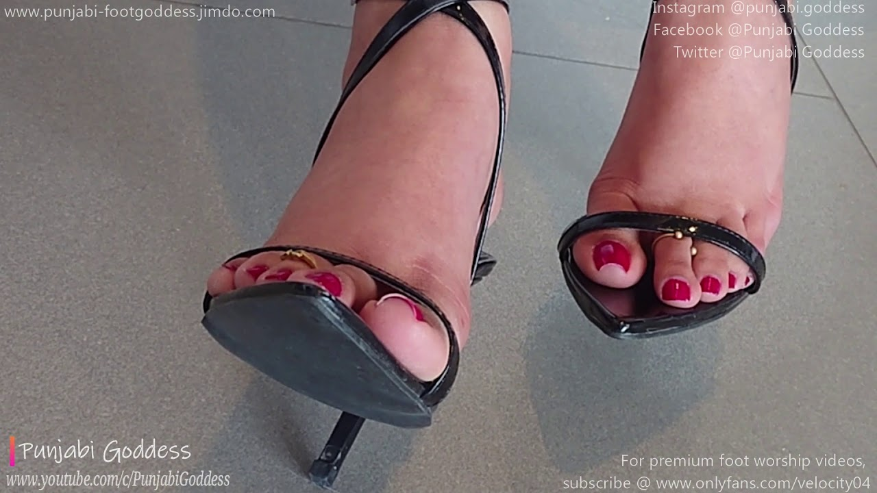 Sexy Black Pointy Sandals | Punjabi Goddess - Rednails in Highheel Strappies