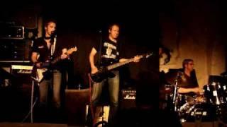 De Livslevande Fågelmännen -  Svart man vit man -  live Kolingen 2009