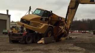 How not to load a Cat 740 truck.