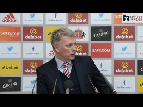 Moyes 'unconcerned' by crowd jeers