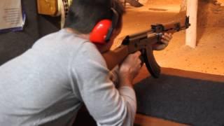 Schiessen mit Kalaschnikow AK 47