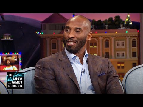 Kobe Bryant Runs the Triangle with His Daughter's Team