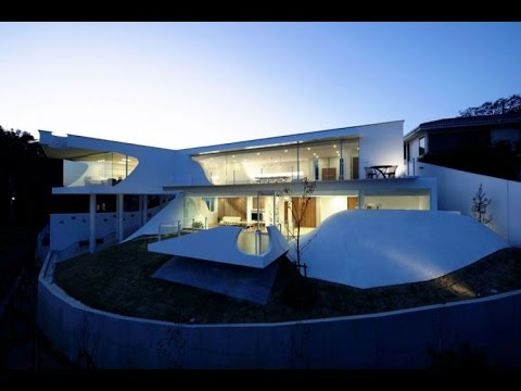 Futuristic Modern House Design With 2 Analogycal Concept