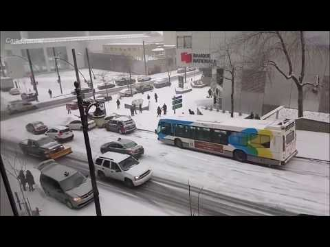 ❄ Epic Cars Pile Up During Snow/Ice Storm ❄ Beaver Hall - Montreal
