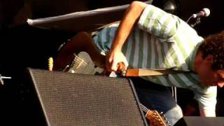 "Yo La Tengo - ""Big day coming"" & ""Stockholm syndrome"" (Chile, Maquinaria Festival 2010 ) - 1/2"