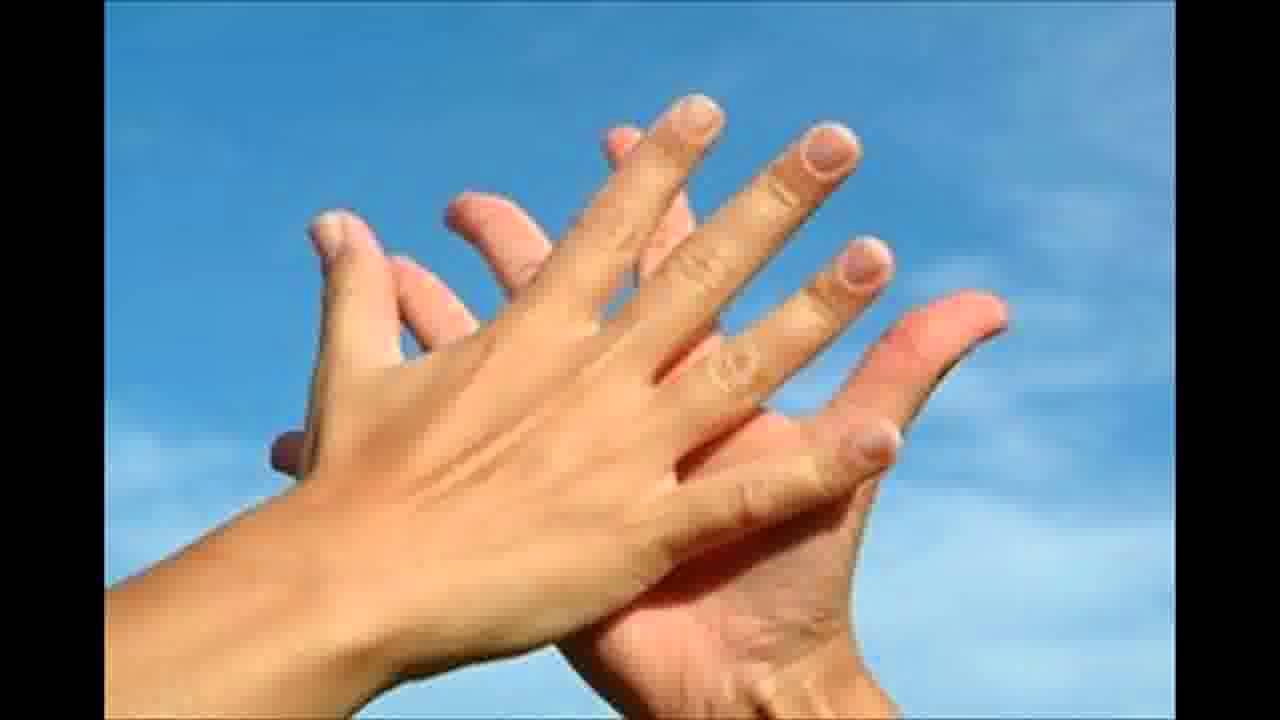 How to Treat a Split Nail - YouTube