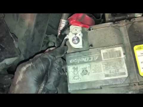 2010 GMC Terrain How to Replace Battery  Cómo remplazar batería