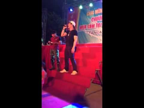 Mưa Thủy Tinh - Khánh Phương Live (Hội Chợ TM Song Mai Bắc Giang 2015)