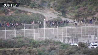 أكثر من ألف مهاجر إفريقي حاولوا عبور حاجز في سبتة لدخول إسبانيا من المغرب