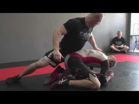 women wrestlers leg split