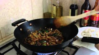 Pow Wok Cooking Beef Chow Fun from The Woks of LIfe