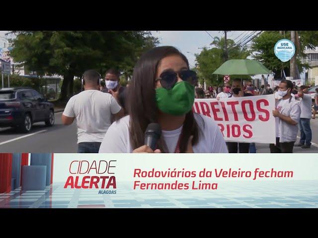Rodoviários da Veleiro fecham Fernandes Lima para cobrar salários