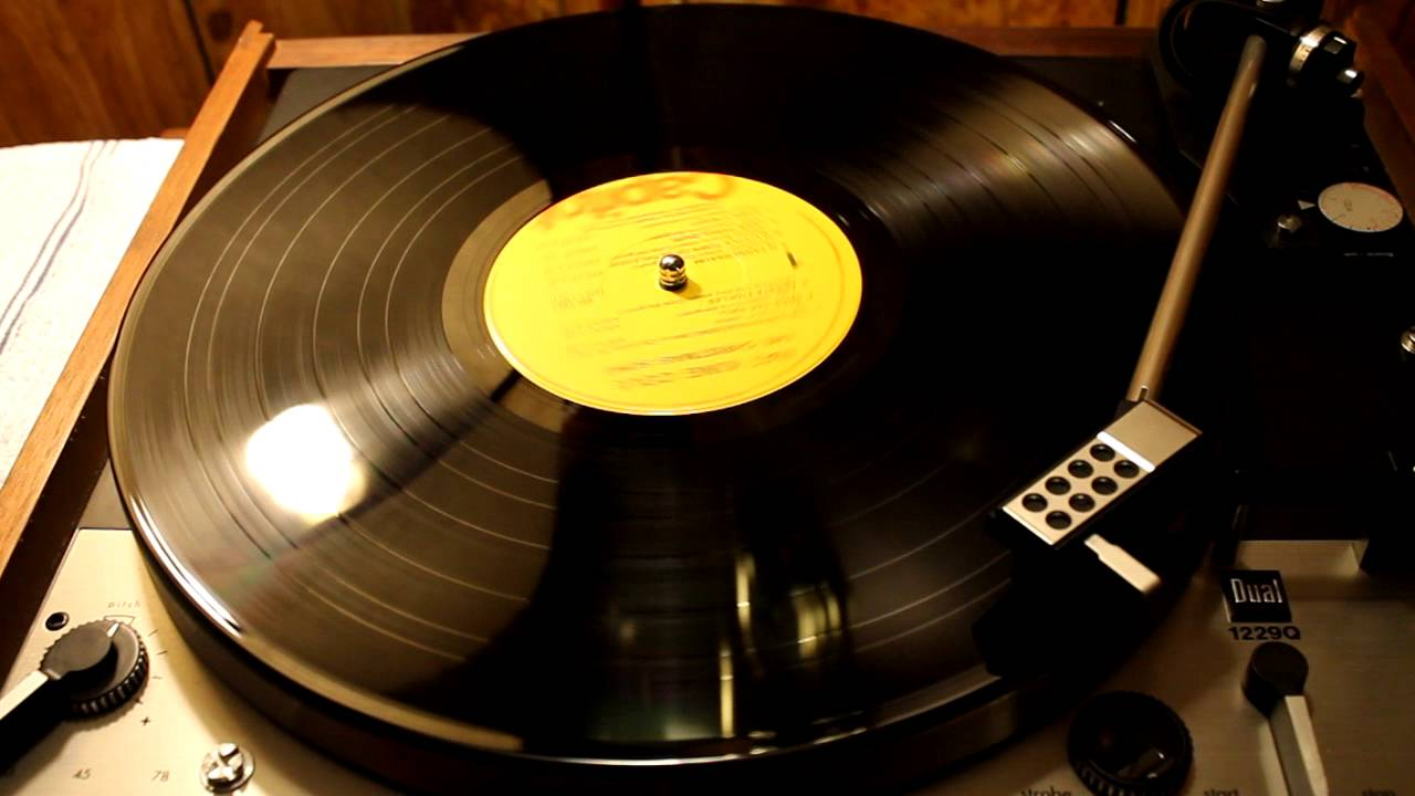 Nat King Cole - The Christmas Song - Vinyl - YouTube