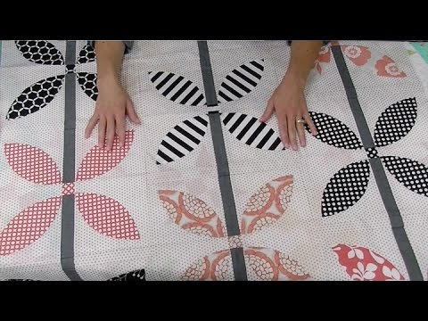 Choosing fabrics for quilts: one quilt, two ways