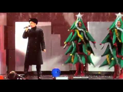 Pet Shop Boys - It Doesn't Often Snow At Christmas - Live at 02, 2009