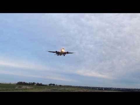 USA AIR FORCE 2 | Aeroplanes at the Melbourne Airport