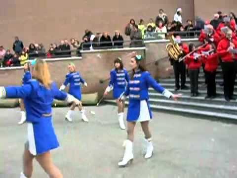 MAJORETTES (Banda musicale di Felino con majorettes)