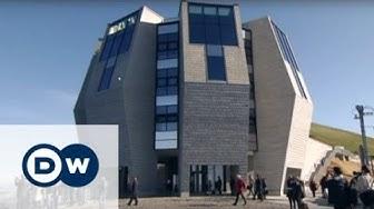 Der neue Bau mit Panoramablick von Mario Botta | DW Deutsch