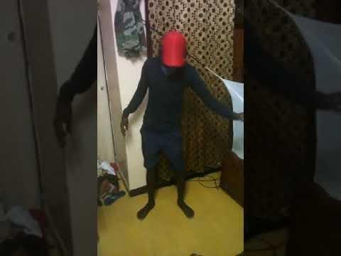 King Diakité dancing