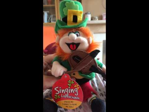 Singing Leprechaun (Irish eyes)