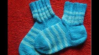 ВЯЗАНИЕ СПИЦАМИ! КАК СВЯЗАТЬ ПРОСТЫЕ ДЕТСКИЕ НОСОЧКИ ДЛЯ НАЧИНАЮЩИХ!knitting(ВЯЗАНИЕ СПИЦАМИ! Как быстро связать простые носочки начинающему в вязании.Простой способ связать тёплые..., 2015-01-11T09:32:38.000Z)