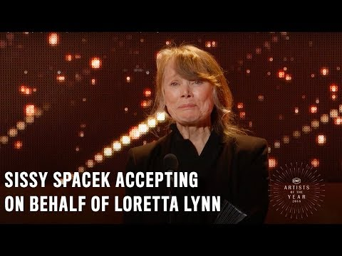 Sissy Spacek Accepting on Behalf of Loretta Lynn  2018 CMT Artists of the Year Acceptance Speech