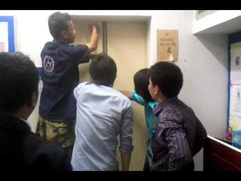 ลิฟท์  มรภ.สุรินทร์ !! ค้าง !!