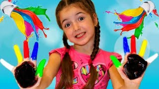 Kid play with colors
