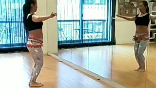 こんにちは。 40歳からの女性のためのベリーダンス&ひとりサルサ初級教室 アモールダンス   主宰の齊藤なつです。 今週のベリークラス...