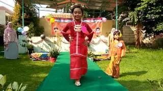 Download Video Peringati Hari Kartini, TK Bina Insan Mandiri Adakan Lomba Fashion Show MP3 3GP MP4