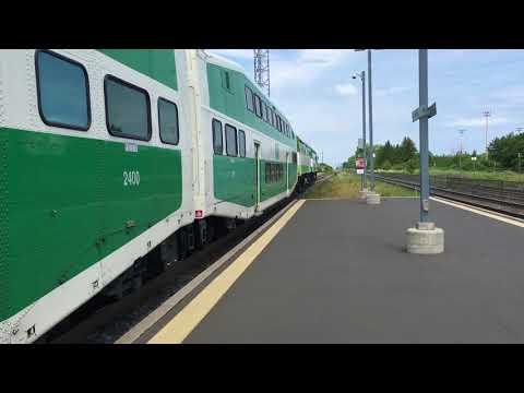 Go train 646 at Appleby go station