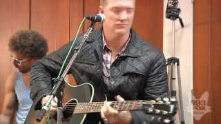 Download Queens Of The Stone Age - Make It Wit Chu (Fox Uninvited Guest) Mp3 and Videos