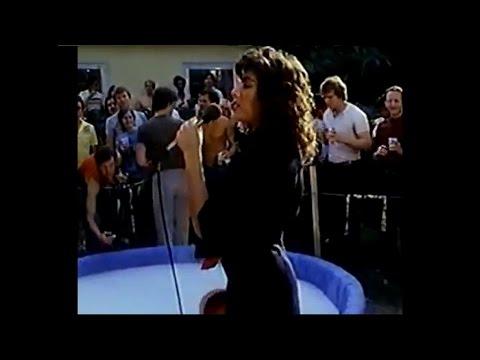 Laura Branigan - Delta Pi - Mugsy's Girls [cc] 1984