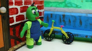 Green Baby in BIKE TIME MAKE IT RAIN - Play Doh & Clay Stop Motion For Kids