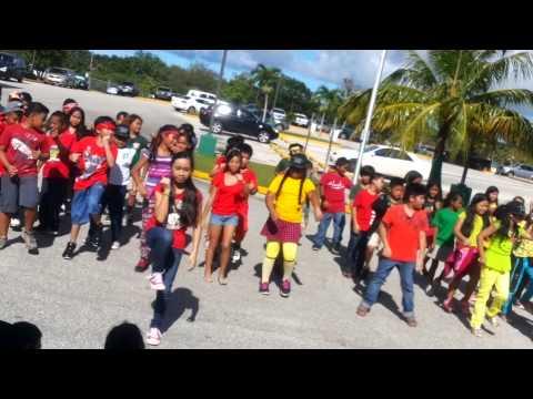 U.N. Zeebow dance | Upi Elementary School