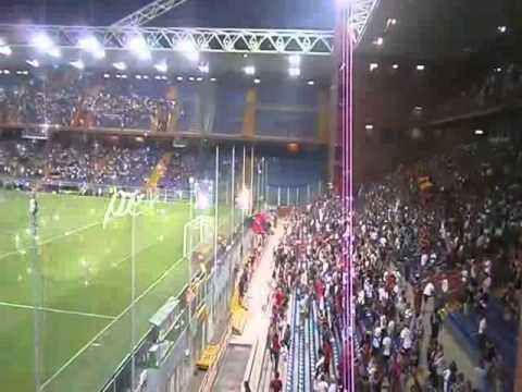 Gradinata Nord, ultras Genoa, cantano l'inno