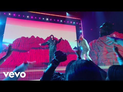 Justin Bieber, The Kid LAROI - STAY (Live From The MTV VMAs / 2021)