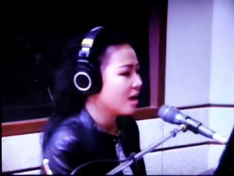 Korean female pop singer ALI (I'll be there)