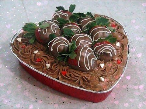 Como decorar un bizcocho pastel para san valentin con - Decorar reciclando facil ...