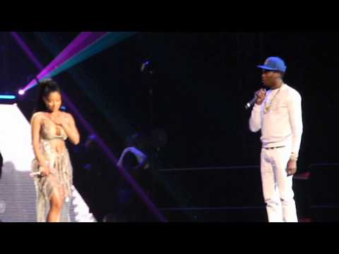 Nicki Minaj and Meek Mill - Bad For You (Live @ Barclays)